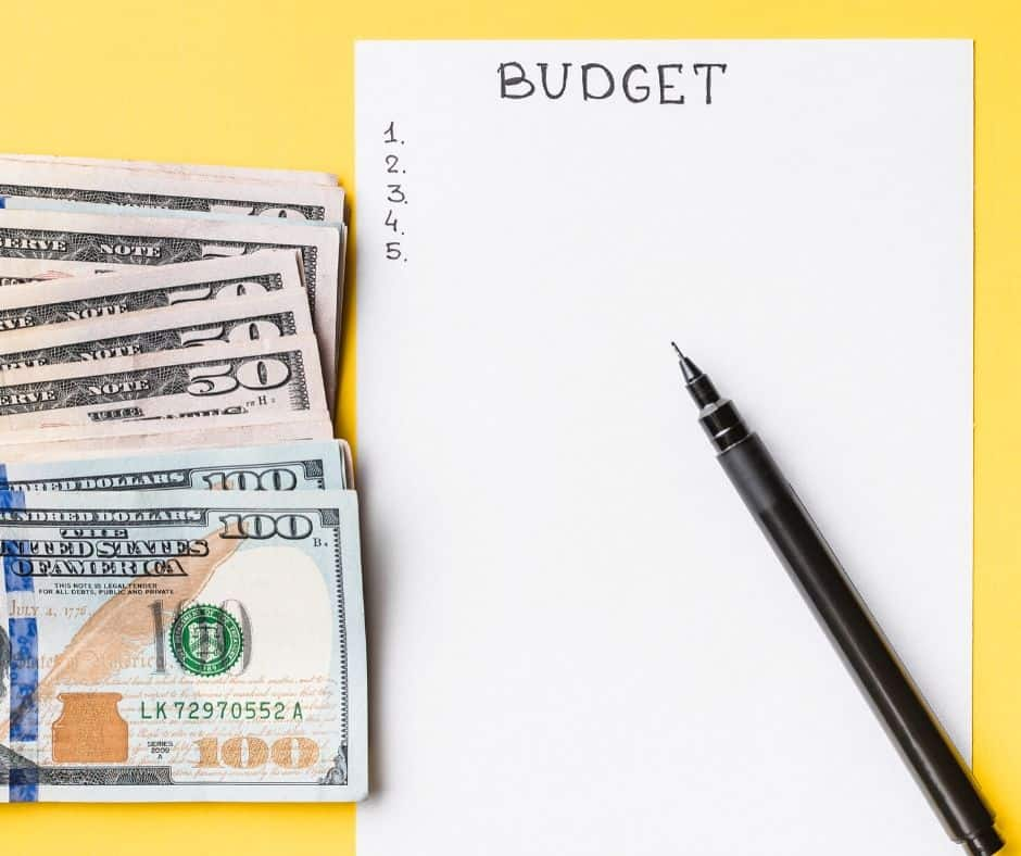 One real family's sample budget. Get a look into this real budget to help you see exactly what a budget looks like! This is perfect for budget beginners or anyone who loves personal finance.