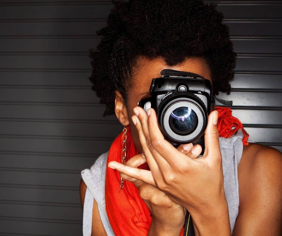 Take pictures and sell them to make money as a teen